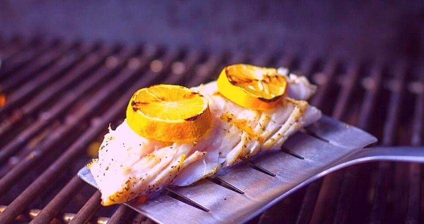 pescado con patatas parrilla eléctrica